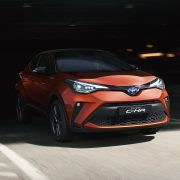 toyota-c-hr-2019-gallery-001-full_tcm-3027-1776324