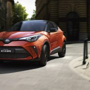 toyota-c-hr-2019-gallery-002-full_tcm-3027-1776327