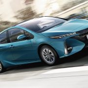 toyota-prius-plug-in-2016-gallery-02-full_tcm-3027-1685333