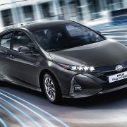 toyota-prius-plug-in-2016-gallery-05-full_tcm-3027-1685342